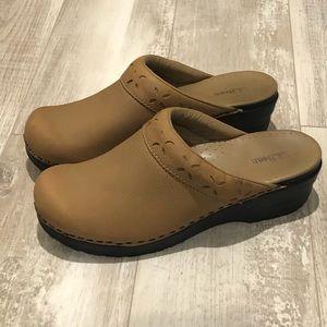 L.L. Bean Clogs leather Made in Brazil